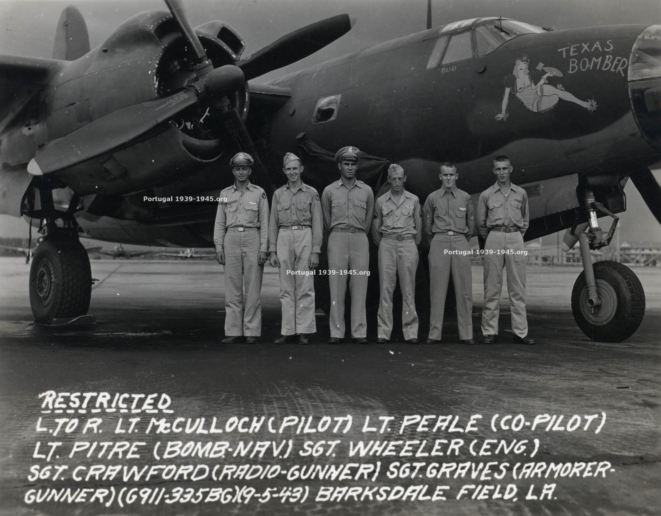 The crew of the Marauder that exploded near Vieira de Leiria  (Photo: Ray Pitre Family)