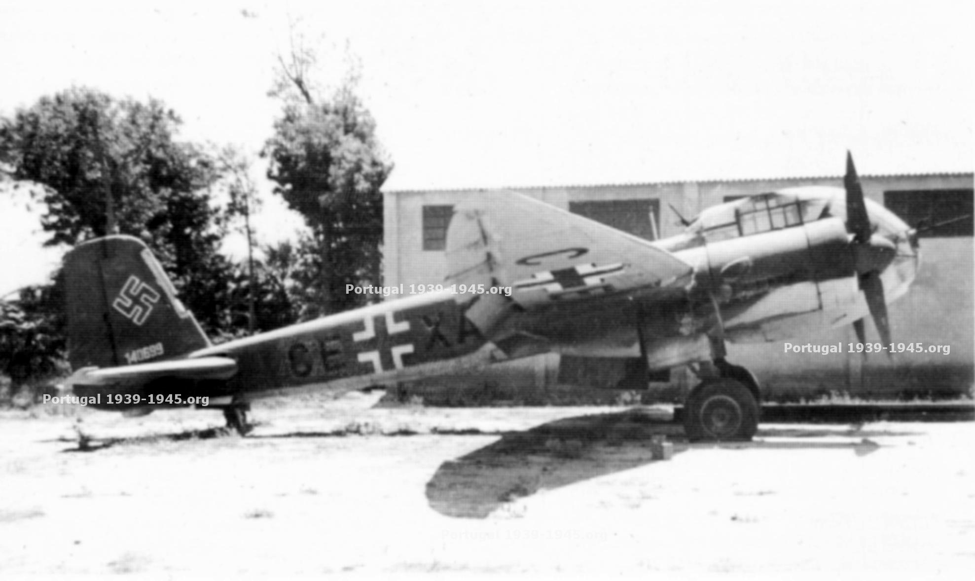 JU188 no Aeroporto de Lisboa (Foto: Colecção Mário Canongia Lopes)